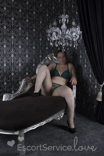 Lieve Blonde Escort Macy Love